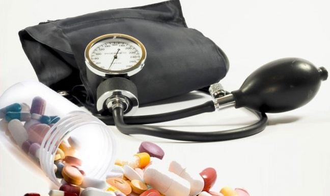 3 fokos magas vérnyomás szívkárosodással