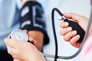 van-e oka a magas vérnyomásnak magas vérnyomás a katonai személyzetben