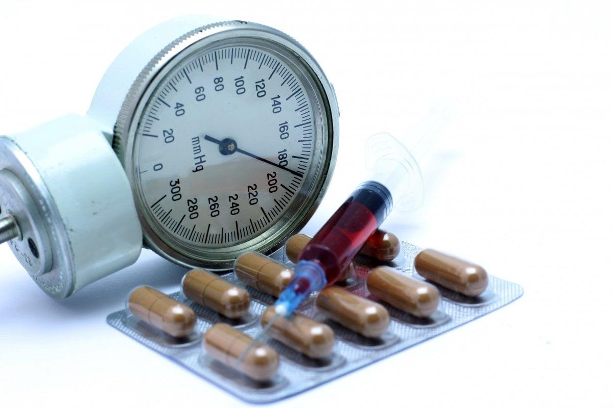 hipertónia egész életen át magas vérnyomás száraz köhögés