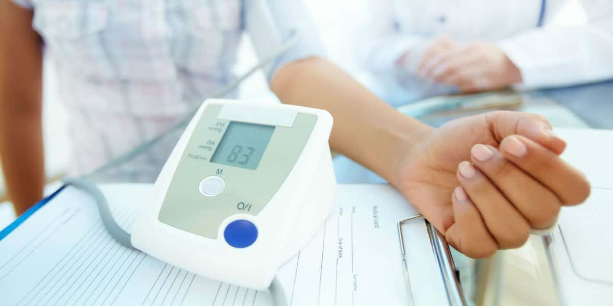 alkalmasság magas vérnyomás esetén