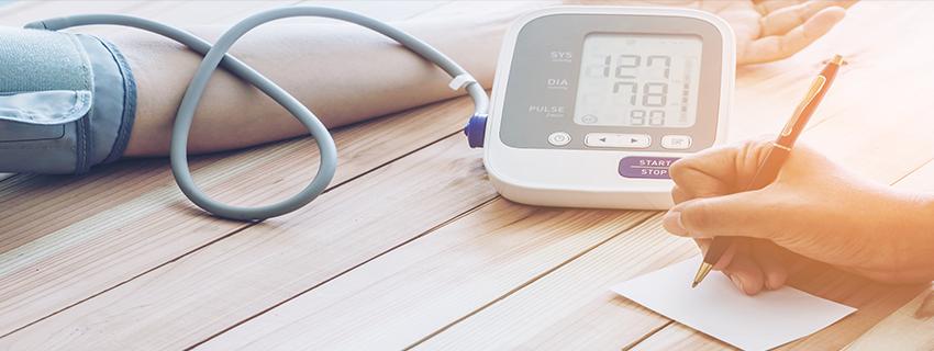 a magas vérnyomás kezelése három gyógyszerrel a hipertónia szempontjából előnyös testmozgás