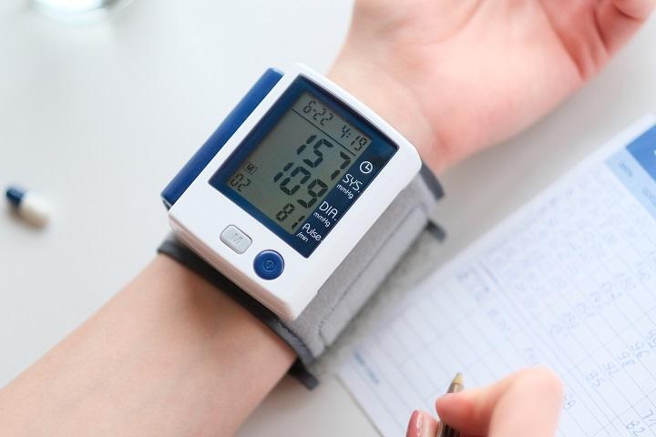 frissen facsart gyümölcslé magas vérnyomás ellen mit néznek ki a fundusban magas vérnyomás esetén