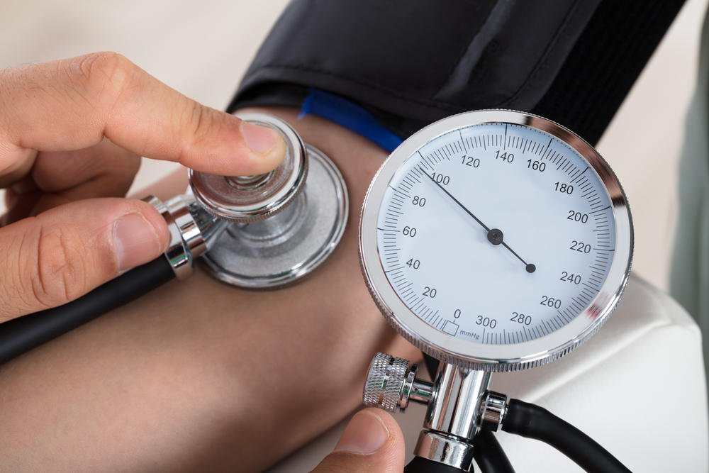 magas vérnyomású agyi erek magas vérnyomás 3 stádiumú 4 kockázati csoport